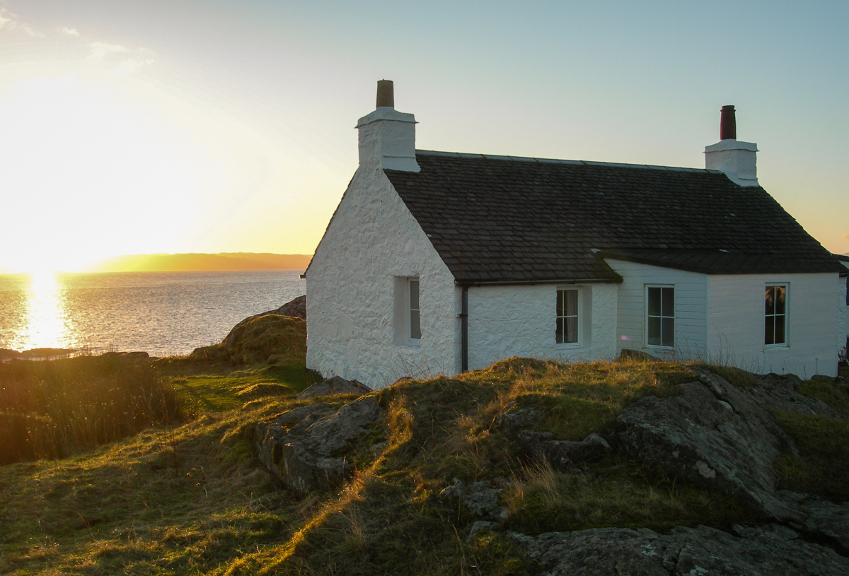 If you're planning a birdwatching or nature-inspired trip, find out about our best cottages for wildlife on Mull, with wild views from the window!