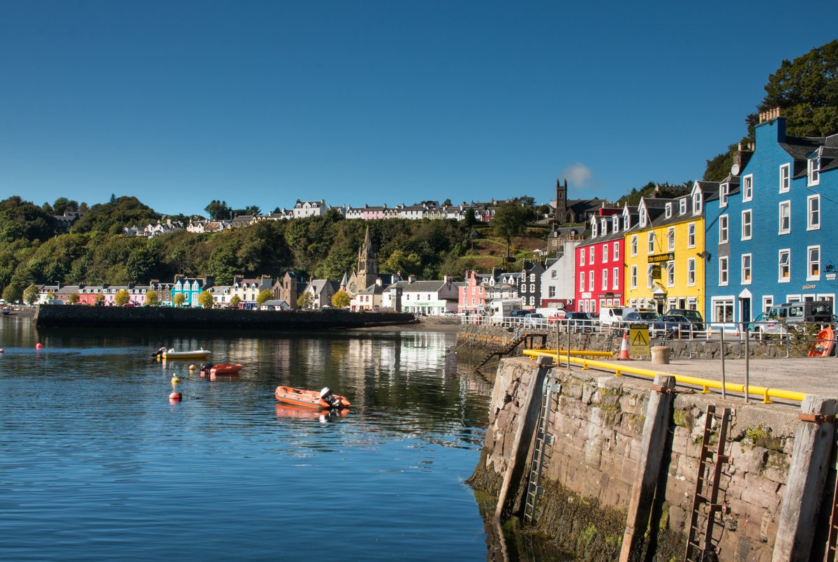 From wildlife like otters to golden and white-tailed sea eagles, the charming town of Tobermory, a munro to climb and more, the Isle of Mull offers a lot...