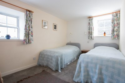 Twin bedroom in Stable Cottage