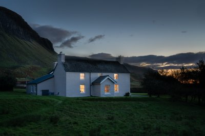 A cosy retreat in the true wilds of the Hebrides, Balmeanach Farmhouse brings luxury to the wilderness
