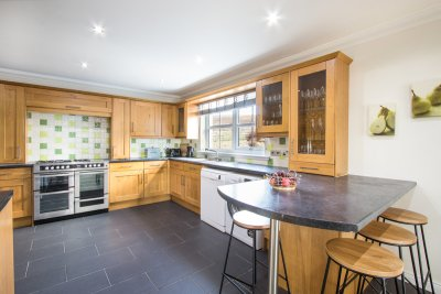 Fitted kitchen well equipped for self-catering