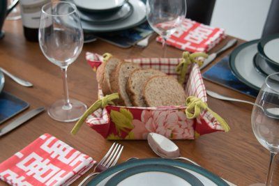 Great tableware provided and everything you need for self-catering
