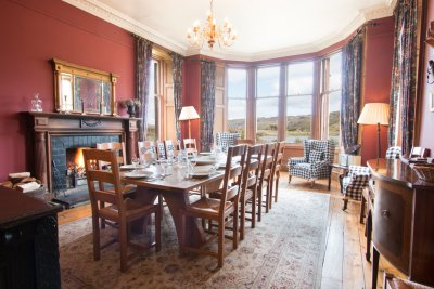 Dining room at Craig Ben Lodge