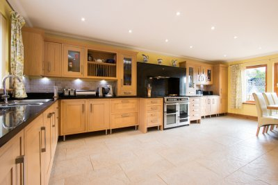 Spacious kitchen with underfloor heating