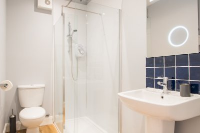 Modern bathroom in Lismore