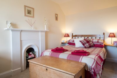 Double bedroom in Seabrae Cottage