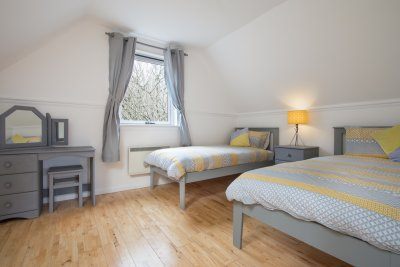 Twin bedroom at Struan cottage