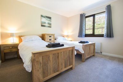 Twin bedroom at Taigh Cian