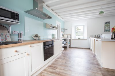 Bright kitchen well equipped for self catering
