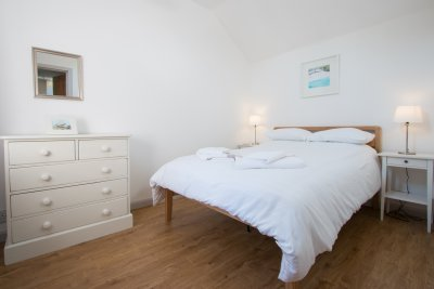 Double bedroom in The Tontine