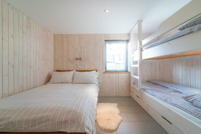 Second double room with bunks