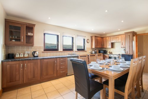 Large and well appointed kitchen in Craigbhea