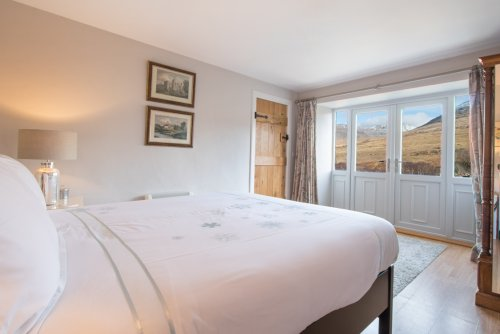 Double bedroom in Derryguaig Smiddy