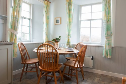 Dining area in Shepherd's Cottage kitchen
