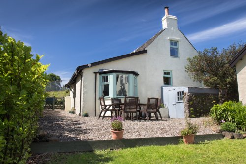 Ulva House Cottage setting and garden